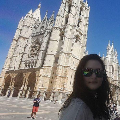 Leon Catedral CatedraldeLeón Verybig Beautiful Secondweek Valelapenapagarporentrar Perfectmoments Funnytimes Like Like4like Likes Tagsforlikes