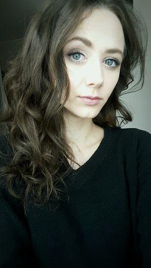 Polishgirl Brunette Eyelook Cold Selfie Sadday .. ☀☀☀☀☀☀☀⛇