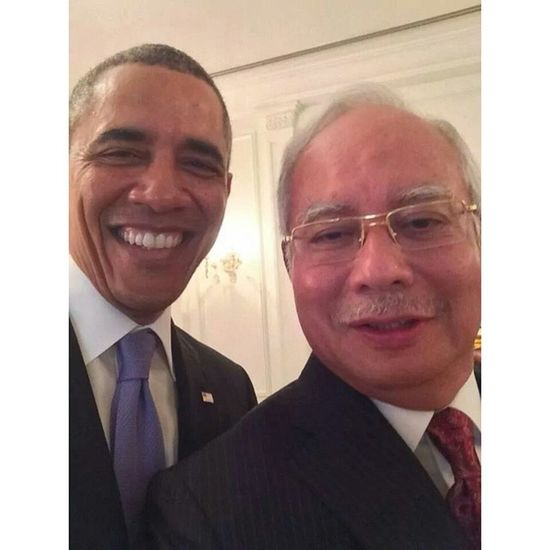 Aku dah agak depa mesti selfie punya.. Malaysia USA President PrimeMinister vvip selfieoftheday