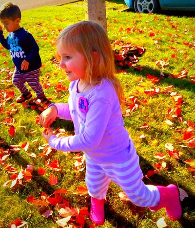 Childhood Real People Full Length Child Outdoors Leisure Activity Happiness Grass People Fall Beauty Fall Leave Excitement Delights Of Life Labor Day Madness!!! Come Out And Play Pursuit Of Happiness EyeEm Master Class Streamzoofamily The Week On EyeEem Razzle Dazzle Telling Stories Differtenly Snap A Stranger Inspiration Seriously Beautiful Grandchild