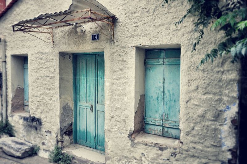 Here Belongs To Me Neighborhood Old House Building Exterior Windows Door Textures And Surfaces Walking Around Taking Photos Walking Around The City  Window Doors From Where I Stand Pastel Power Pastel Colors Old Buildings Empty Places Quiet Places Forgotten Forgotten Places  Abandoned Buildings Street Photography Street Color Photography - Greece Chios