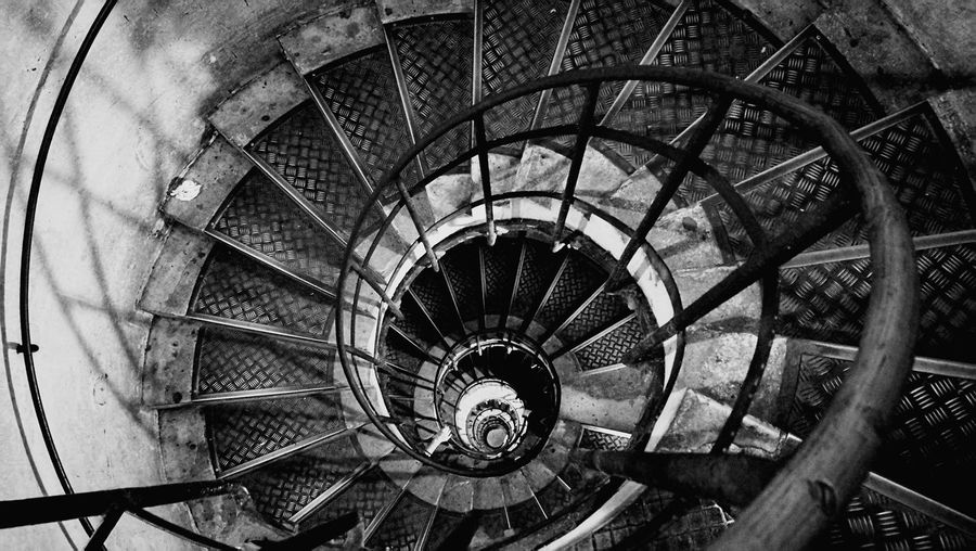 escalier No People Spiral Staircase Spiral Stairs Stairs Hand Rail Steps And Staircases Spiral Steps Staircase High Angle View Railing Circle Geometric Shape Circular Interior