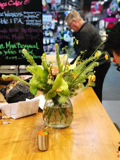 Simple yet beautiful arrangement The Power Of Flowers Melbourne Plant Table Food And Drink Food Freshness Flower Day Green Color Flower Arrangement