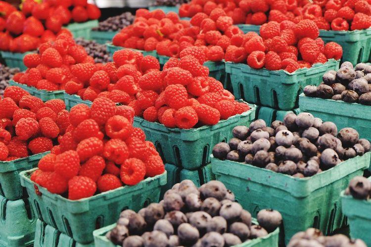 Rasberries Blueberries Farmer's Market