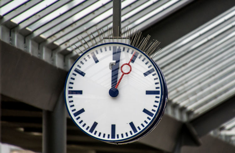Bahnhofsuhr Station Station Clock Clock Clock Face Close-up Day Hour Hand Indoors  Minute Hand No People Number Railroad Station Roman Numeral Time Uhr
