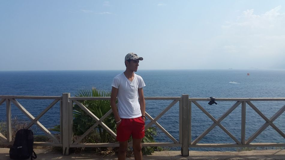 o çanta orda bi durcak :) Horizon Over Water Nature New York Okyanus Puma Sea Side Antalya Sky Water