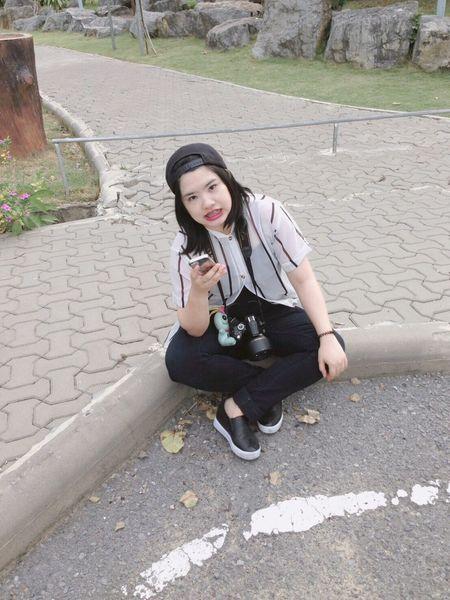 ตากล้องตัวบวมอืดๆ กำลังฝึกฝนวิชาการถ่ายภาพ ขอเวลาหน่อย รักการถ่ายภาพเป็นชีวิตจิตใจ แต่จะให้ดี ถ่ายเทอเป็นแบบจะดีกว่า ฮิ้ว :) Check This Out Hello World Hi! Relaxing Taking Photos Enjoying Life Team Lesbian Beautiful Snap Girl Todays Outfit! Beautiful Girl Thai Girl A Day In The Life Happy Snapshots Of Life Make It Yourself Inmyfeelings
