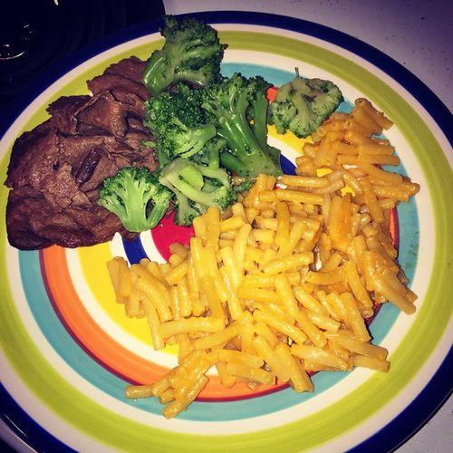 Made Isaac & I dinner Steakems Macaroniandcheese Broccoli