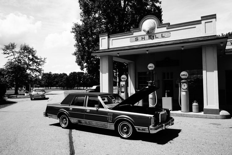 Michigan Cars Flashback Monochrome Black And White B&w Streetphotography The Difference Is Spreading Pumping Gas Shell Great Lakes Roadtrip