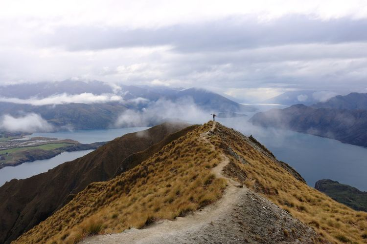 Amazing Place Amazingworld Feel The Journey New Zealand NZ Roys Peak Trekking Wanaka First Eyeem Photo Worldtraveler Beauty In Nature Canonphotography Canon Tranquil Scene Foggy Morning Fog Top Hill Tophill Upandup Paradise Paradise On Earth Heaven