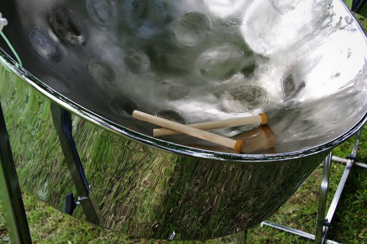 steelpan Steelpan Musical Instrument Musical Equipment Music Steep Pan Pan Pan Music Day Outdoors Close-up DeeArt Untitled Untitled Photography Canon350D Canon 350D Canonphotography