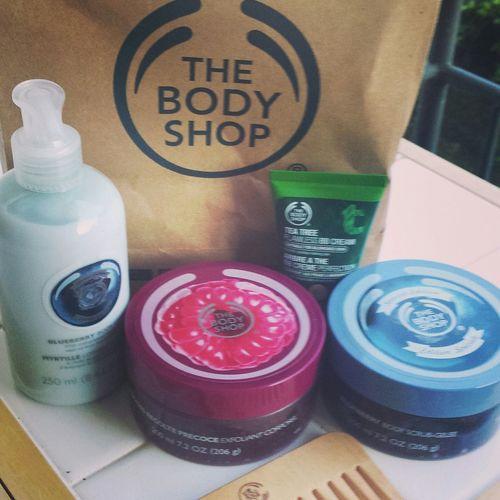 Thebodyshop Bodyshop Collection Rasberry Blueberry Bodylotion Bodyscrub Teatree Bbcream