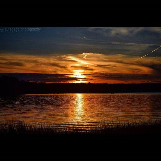 Explosions in the sky. AspiringPhotographer Nikonphotography Nikonphotographers Nikon_photography Nikonshots Nikontop Autumn Sunset Beautiful Clouds Sky Longisland Newyork Fallfeels Exploreliny Li148 Instagood Oysterbay