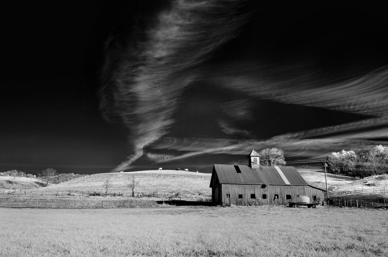 built structure, architecture, building exterior, house, field, no people, outdoors, grass, barn, landscape, nature, sky, rural scene, scenics, day, farmhouse, beauty in nature