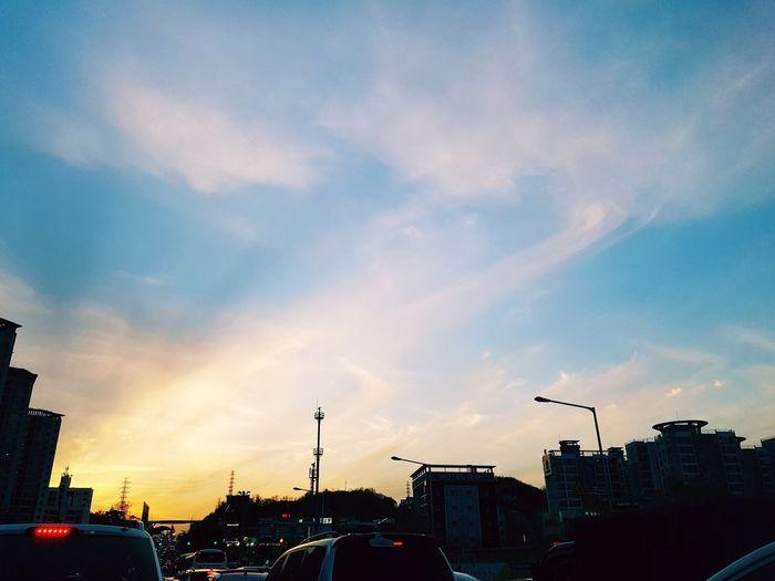 일상속의 노을 Sunset Sky City Cloud - Sky No People Beautiful Spring Springtime 일상 아름다움 Life Daily Modern Urban Skyline 풍경 뷰스타그램 붉은노을 노을 풍경, 노을 풍경스타그램 맑은날 하늘 하늘사진