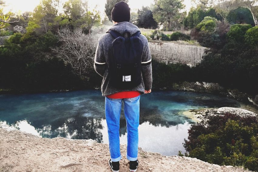 Rear View Tree Real People Full Length Casual Clothing Nature Standing One Person Lifestyles Leisure Activity Day Beauty In Nature Men Growth One Man Only Water Only Men Scenics Sky