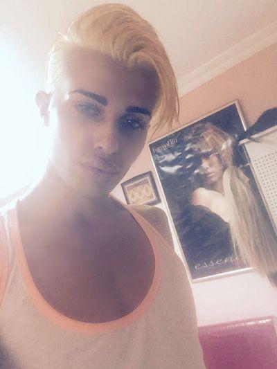 Mcqgarro Qυεεη 👑 мαүα *´¨) ¸.•´¸.•*´¨) ¸.•*¨🕊 Lgbt Sexyboy Sexylips Mygarro Me Gayboy Sexyeyes Loveislove🌈 Qυεεη мαүα *´¨) ¸.•´¸.•*´¨) ¸.•*¨) (¸.•´ (¸.•` ¤