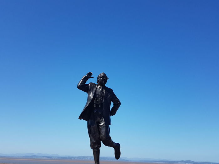 Tribute Eric Morecambe Statues And Monuments Clear Sky Blue Untouched Comedy Outdoors Summery Days Cloud - Sky Time To Reflect