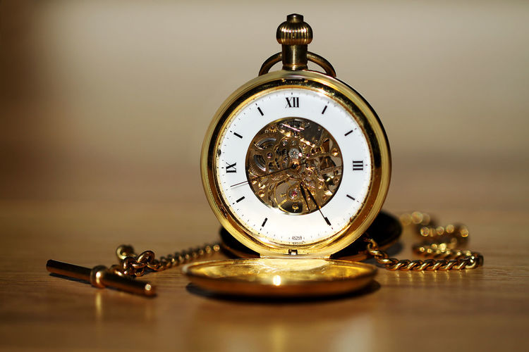 Antique Clock Clock Unit Clockwork Clockworks Close-up Detail Fob Watch Gold Gold Colored Golden Hour Hand Instrument Of Time Lieblingsteil Macro Macro Photography Old-fashioned Pocket Watch Roman Second Hand Technics Time Watch Lieblingsteil TheWeek On EyEem