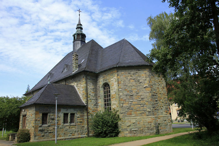 dav Evangelische Kirche In Eickelborn Eickelborn Church Lippstadt Architecture Built Structure Building Exterior Sky Building Plant Tree Cloud - Sky Nature Religion Place Of Worship Day No People Grass Outdoors
