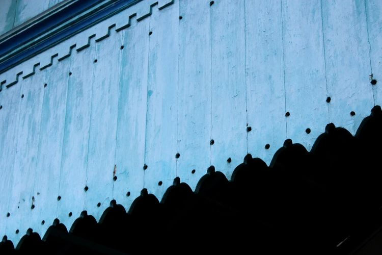 Tourism Travel Destinations Blue Pattern Pieces Patternpieces Details Architecture_collection Architecture Architecture Architectural Feature Architectural Detail Jalan-jalan Indonesian Street (Mobile) Photographie Large Group Of People Tourism Travel Destinations Silhouette Travel Famous Place Vacations Tourist In A Row Ancient Civilization History International Landmark Physical Geography Blue