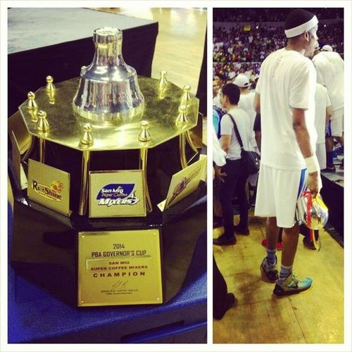 Due to excitement, the Mixers damaged their trophy. Yes, that's @rafireavis holding the rest of it. Lol! Congrats again SanMig Coffee Mixers! (Phots grabbed from GMA News - http://www.gmanetwork.com/news/story/369497/sports/basketball/oops-san-mig-coffee-mixers-break-governors-cup-trophy-during-celebration) GovernorsCup Pba Champions LabanSanMig Puso