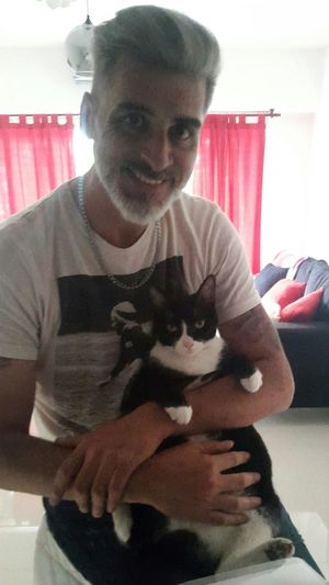 Indoors  One Person Domestic Life Men Day Catlovers Cats Love ♥ Toto Lamor Cute Cats Peace ✌ Relax