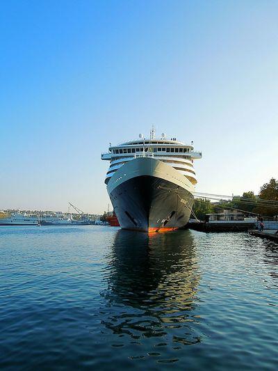 The bow cruise ship