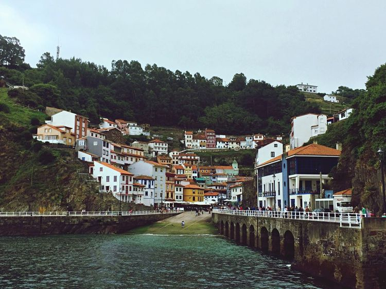 Cudillero Asturias , Spain no puede faltar en tu ruta. Check This Out Holidays Iphonephotography Smallvillage Battle Of The Cities Asturiasparaisonatural Yummy♡ Gastronomy Mayfly Streetphotography Taking Photos Throughmyeyes