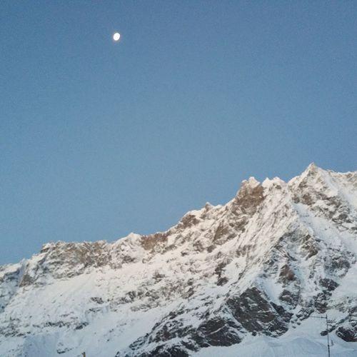 Quanta luce fa la luna ai piedi del cervino? 6 .30 Pitstop Sembravagiorno Lovevda