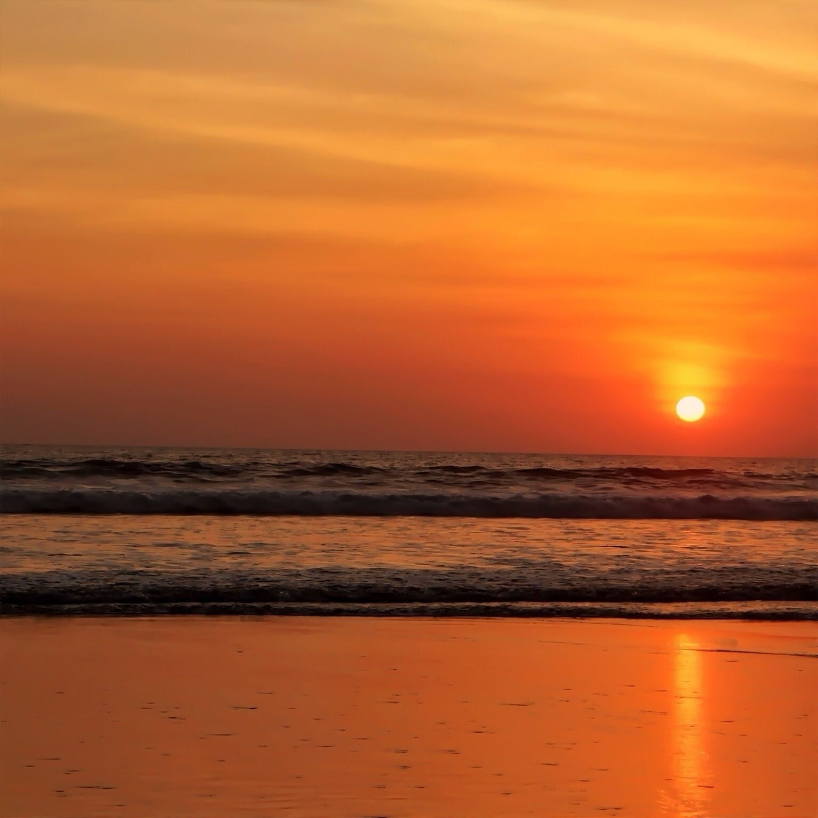 sunset, sea, horizon over water, water, orange color, beach, scenics, beauty in nature, tranquil scene, tranquility, sun, shore, sky, idyllic, nature, wave, reflection, outdoors, remote, sand