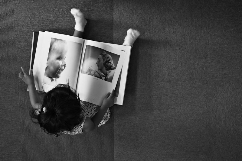 My Favorite Photo Japan EyeEm Best Shots EyeEm EyeEm Gallery EyeEm Best Edits EyeEmBestPics Eyeemphotography Blackandwhite Blackandwhite Photography EyeEm Best Shots - Black + White Japanese  Portrait Children Woman Books