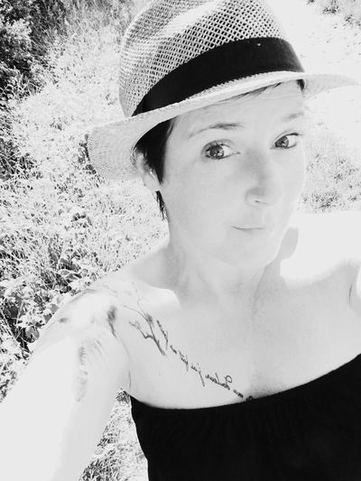 Hello World Cheese! That's Me Enjoying Life Hi! That's Me Taking Photos Self Portrait Portrait Portrait Of A Woman Tattoo Tattoos Tattooed Tattooedgirls Summer Summertime Summer Is Coming It's Me Sunshine Outdoors Hat Hello ❤