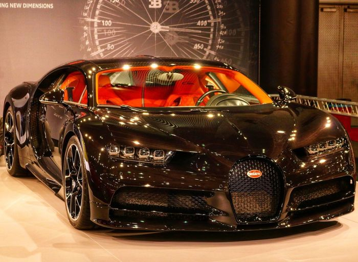 Automesse Wien 2018 Bad Bad Condition Chiron Bugatti Chiron Bugatti Dreamcar Dream Car Mode Of Transportation Motor Vehicle Transportation Land Vehicle Illuminated Night Vintage Car City Racecar Luxury No People Indoors