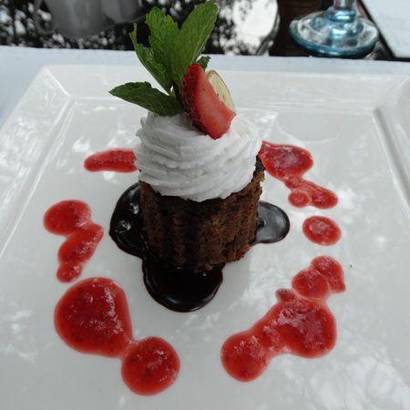 Banana & Cinnamon Cake Mara Rianta Strawberry WhippingCream ChocolateSauce Strawberrysauce Tasty
