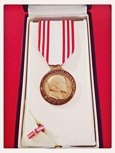 Médaille des 20 ans de travail en Principauté Medal Work High Honnors  Proud