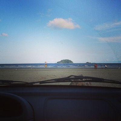 Tchaaaau guaraú! ! PartiuCasa Instapraia InstaSol FDS praia sol mar tempofavorável peruíbe guaraú renault clio