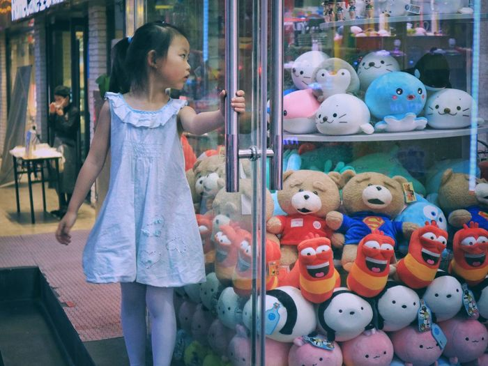 Store Window Large Group Of Objects Outdoors One Person Child Store Multi Colored For Sale Market Canonphotography The Week On EyeEm Canonm3 Cute