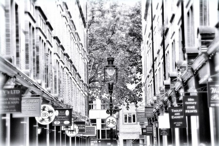 The classic London Look London Streetphotography Streetphoto_bw Street Photography Blackandwhite Black And White Buildings Street SignSignEverywhereASign Taking Photos