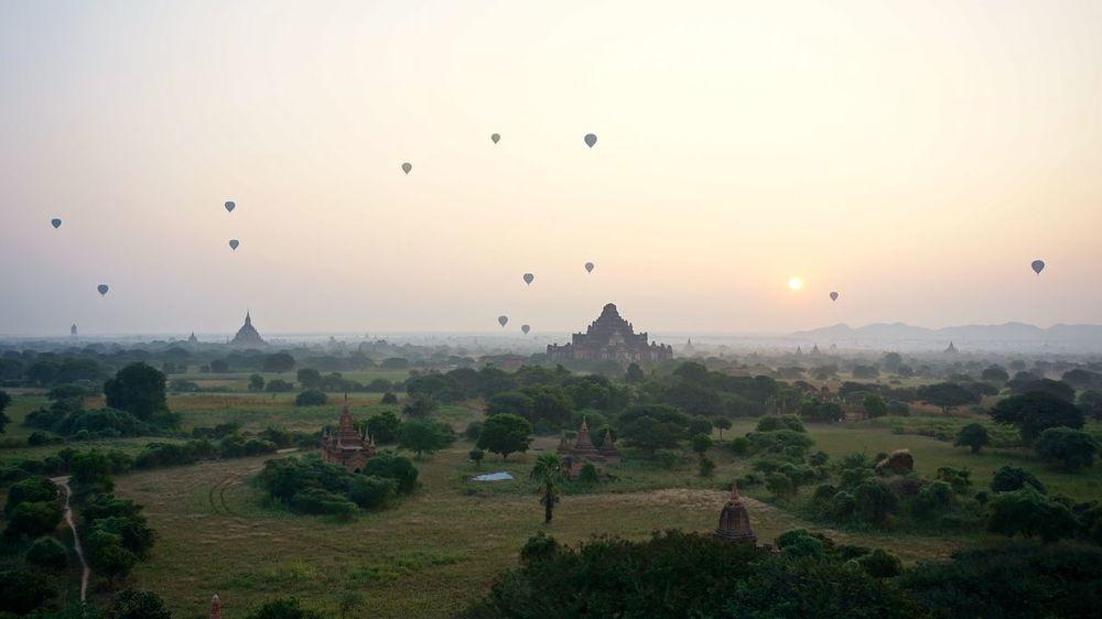 Adventure Bagan Balloons Over Pagodas In Bagan Cultures Hot Air Balloon Myanmar Outdoors Pagodas Sunrise Vacation