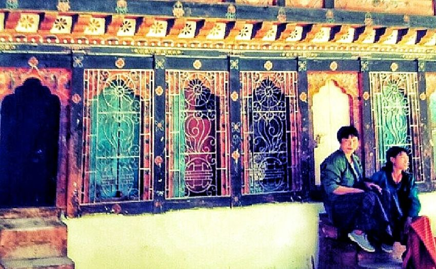 Bhutanese Women Architecture Colours Of Bhutan Himalayas