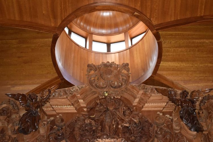 Church Vault Cupola Wood - Material Brown Pattern Wood Circle Architecture Windows Built Structure Illuminated Craft Shape High Angle View My Best Photo Personal Perspective Indoors  The Architect - 2019 EyeEm Awards