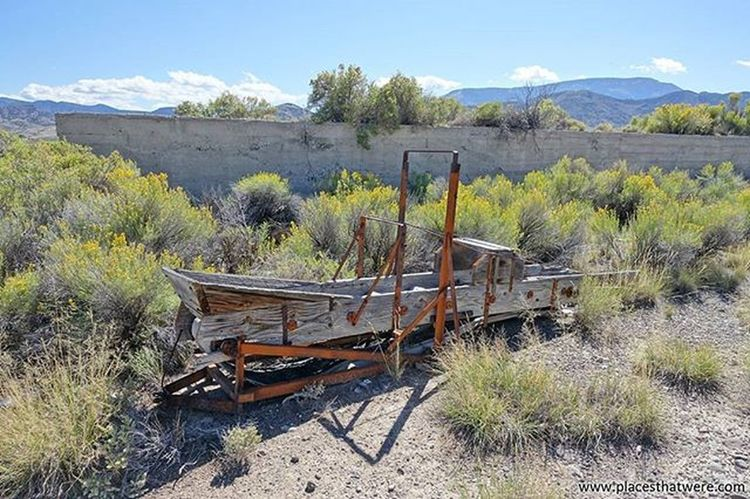 Ore equipment Full article here: http://www.placesthatwere.com/2016/05/abandoned-places-in-antimony-and.html Abandoned Abandonedplaces Ghosttowns Utah AbandonedplacesinUtah Abandonedutah Antimony Antimonyutah Junction Juctionutah Utahghosttowns