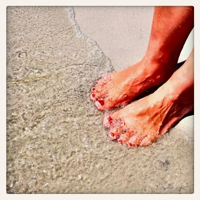 sea bubbles and toes Feet Beach