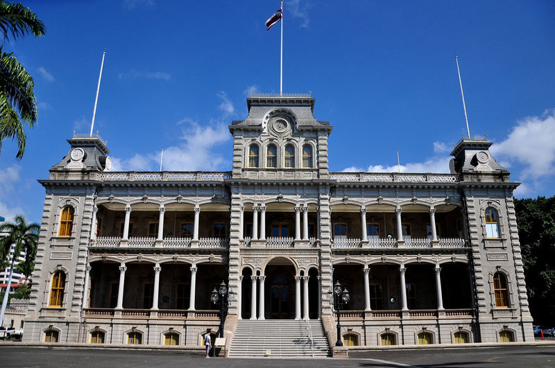 Iolani Palace is a must visit place in Honolulu downtown that build more then 100 years ago. Outside of the Palace, there's a coronation pavilion thats looks very nice Historical Building Iolani Palace King Kalakaua Must Visit Place For Photographers Travel Ancient Building Ancient Building Of Hawaii Blue Sky Buildings & Sky Coronation Pavilion Heritage Heritage Building Heritage Site Heritage Site Of Hawaii Must Visit In Hawaii Must Visit Places Old Buildings Travel Destinations EyeEmNewHere EyeEm Ready