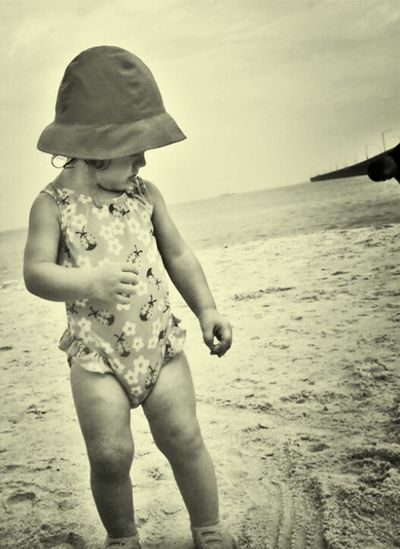 Chicks Beach Va Liyah Enjoying Life