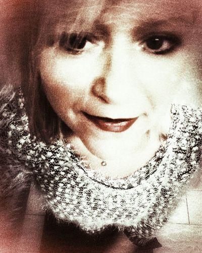 Young Women Portrait Beautiful Woman Human Face Headshot Close-up Water Drop Human Lips Ceremonial Make-up Droplet Eyelash Lipstick Human Eye Eyeshadow Eyeliner Blush - Make-up Iris Eye Make-up Women's Issues Stage Make-up Human Nose Eyebrow Iris - Eye Eyeball Lip Gloss Vision Mascara Attractive Eyelid Pretty
