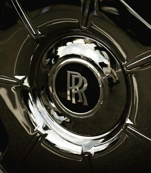 Rolls Royce Rollsroycephantom Tyres Car Luxury Car Lieblingsteil EyeEmNewHere Minimalist Architecture