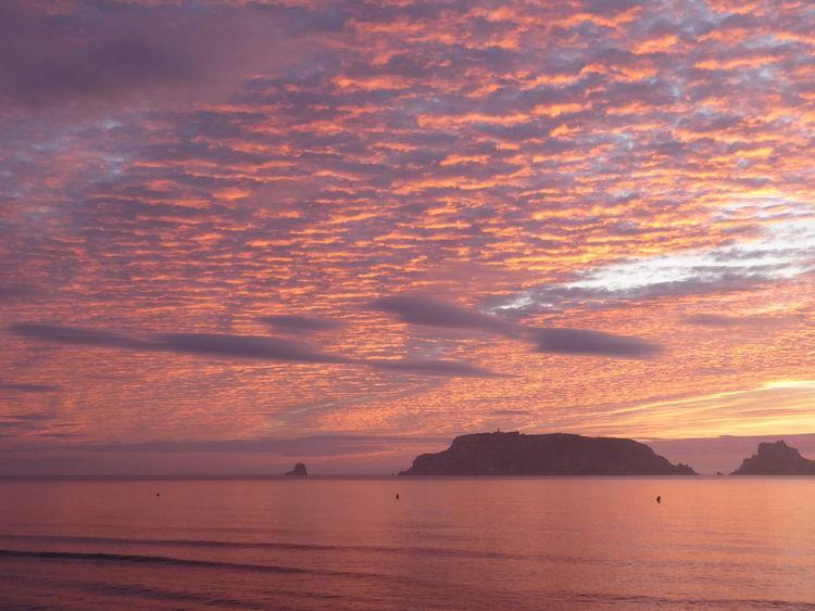 Albada Contraluz Nubes Y Cielo