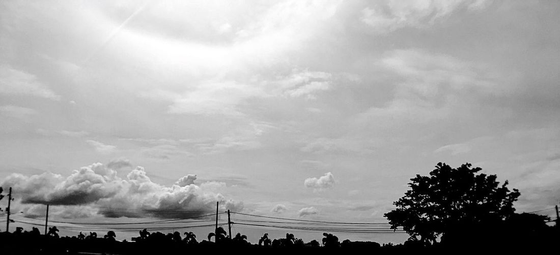 Black And White Sky Clouds Ring Of Light EyeEm Best Shots Silhouette Wide Angle